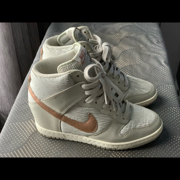 best service 7c1ec 6270e Limited edition Nike dunk sky high wedge sneakers.  M5c6d53293e0caa570ca1c637